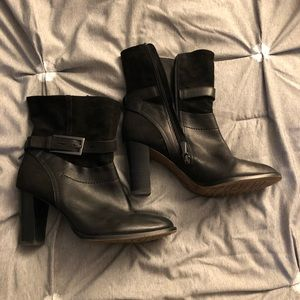 Black leather Clarks booties